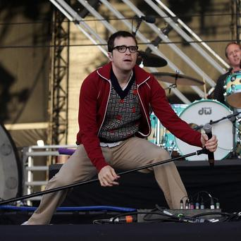 Weezer paid tribute to their former bassist Mikey Welsh