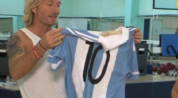 Robbie Savage was handed an Argentinian football shirt