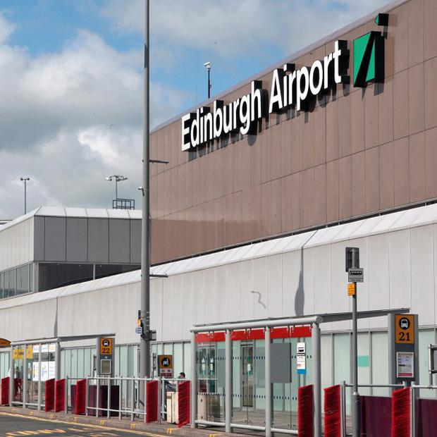 BAA is to sell Edinburgh airport and retain Glasgow