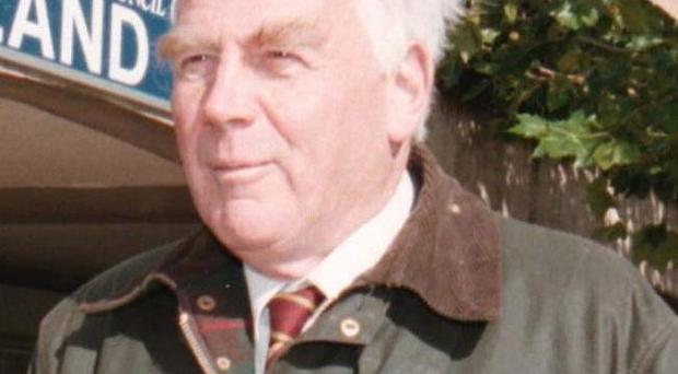 Sir Oliver Popplewell called on the Hillsborough families to behave more like the relatives of victims of the Bradford City stadium disaster