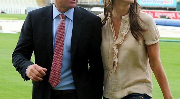 Shane Warne and Liz Hurley are enjoying an old school romantic engagement, the cricketer has said