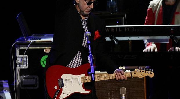 Who guitarist Pete Townshend is to team up with young aspiring artists for a charity gala in London