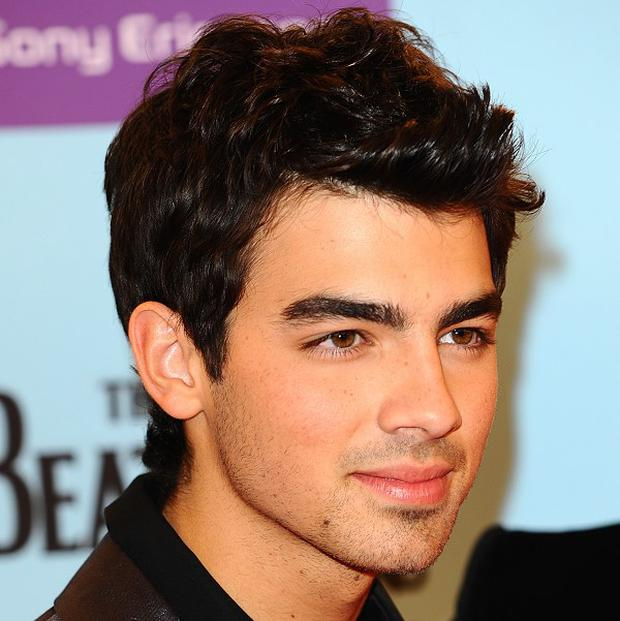 Joe Jonas would like to work with Adele