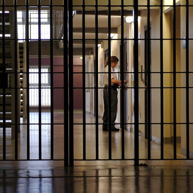 A report has called for an overhaul of the prisons system in Northern Ireland