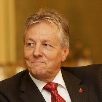 Northern Ireland First Minister Peter Robinson has praised the Republic's approach to tackling the economic crisis