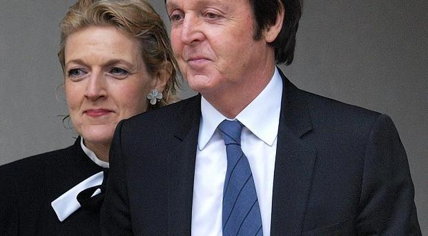 Sir Paul McCartney has been shown evidence by police that his phone was hacked, it has been reported