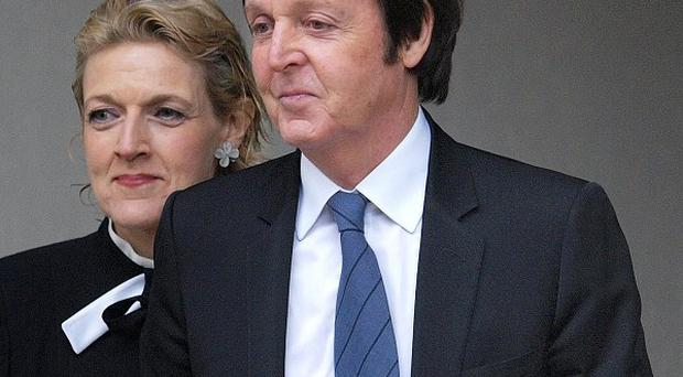 Sir Paul McCartney has been informed about phone-hacking, according to reports