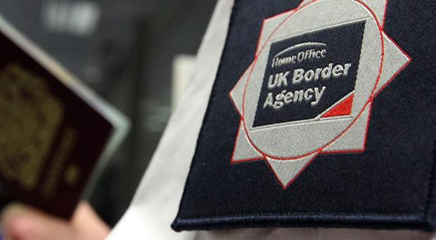 The UK aand Ireland are to co-operate more closely in a bid to clamp down on illegal immigrants, ministers have announced
