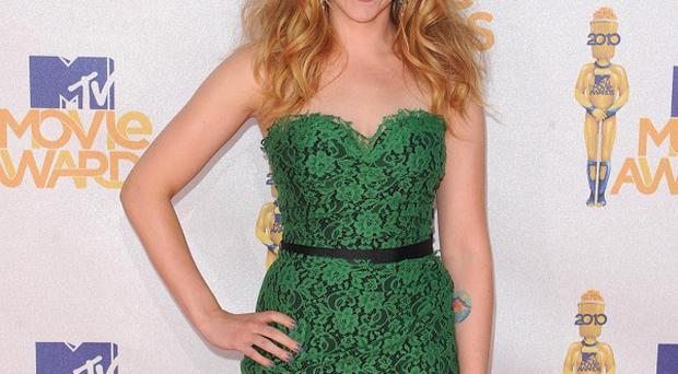 Scarlett Johansson received a jewellery gift from a fellow actress
