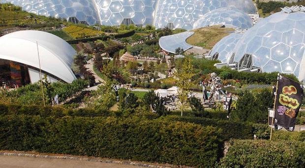 The Eden Project has withdrawn the sale of bracelets decorated with a potentially lethal tropical seed from its visitor shop