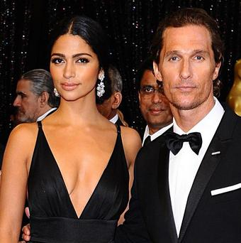 who is matthew mcconaughy dating The couple has two children together: a son, levi alves mcconaughey, born on july 7, 2008, and a daughter, vida alves mcconaughey, born on january 3, 2010 they got engaged on christmas day 2011.