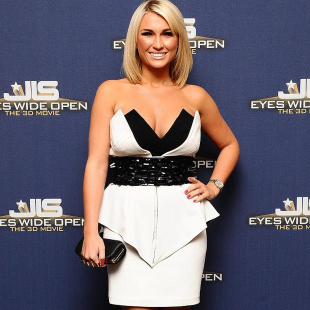 Billie Faiers thinks men are scared to chat her up