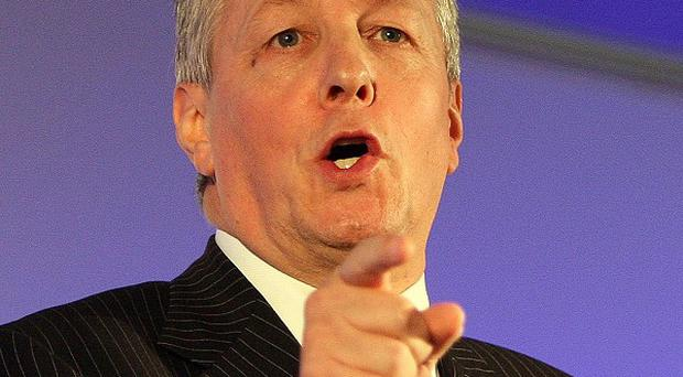 Peter Robinson says Northern Ireland should participate in the debate over Scotland's future