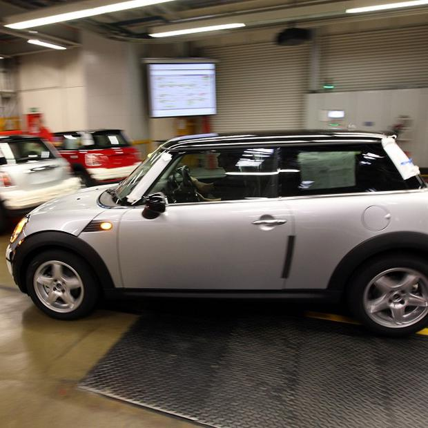 Nearly 30,000 Mini Coopers are to be recalled in Britain after makers detected an electrical fault