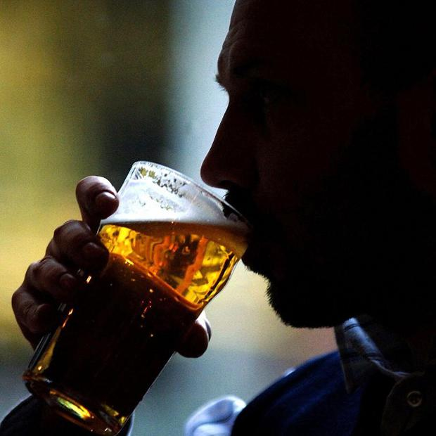 Teenagers from families with a history of alcoholism have brains wired for risk taking, a study has found