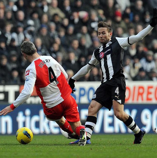 Yohan Cabaye (right) and Shaun Derry