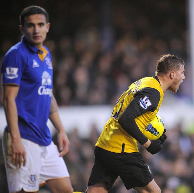 David Goodwillie (right) and Tim Cahill