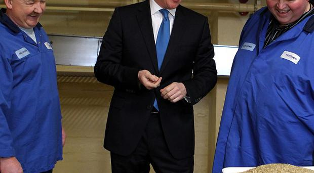 David Cameron will vow to fight to keep the UK together when he meets with Alex Salmond
