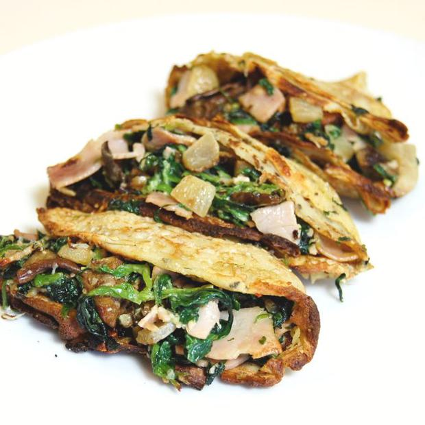 Baked ham, spinach and mushroom pancakes