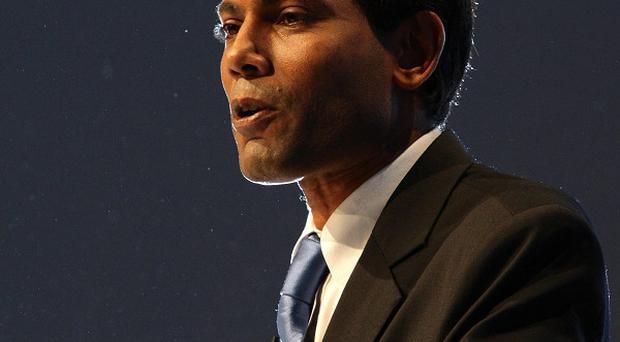 Supporters of Mohamed Nasheed, the former president of the Maldives, have been arrested
