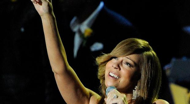 Mariah Carey has sung at her first gig since giving birth last April
