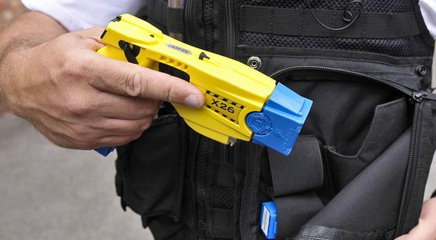 Essex Police officers clearing Dale Farm used Tasers five times, according to a new report