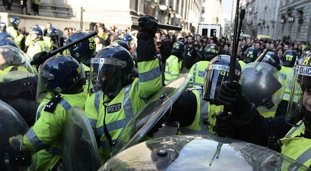 Police use of 'kettling' did not breach human rights, judges have ruled