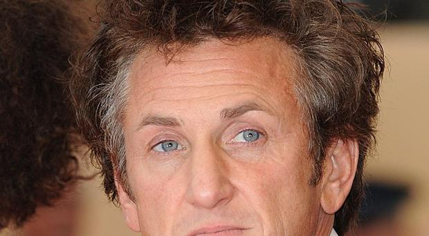 Actor Sean Penn is being honoured by a group of Nobel laureates for his relief work in Haiti