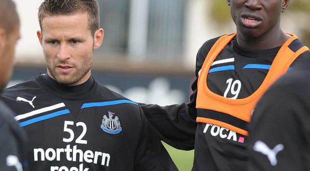 Yohan Cabaye (left) and Demba Ba