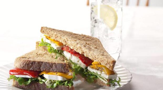 Goat's cheese with roasted pepper sandwhich