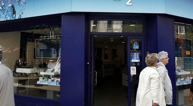 O2 has announced it will reduce staff numbers by 120