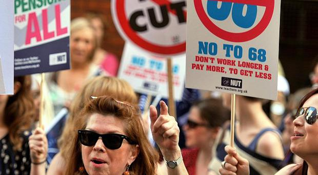 A campaign of 'mass resistance' is needed against the Government's plans for regional pay, the NUT has heard