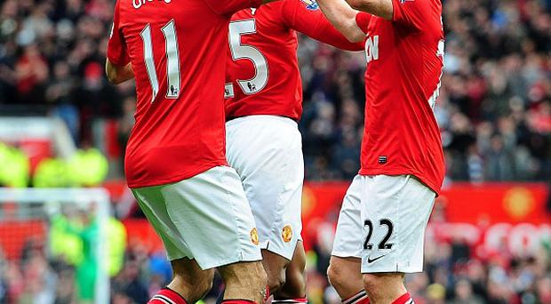 Ryan Giggs (left) and Paul Scholes (right)