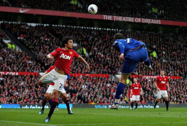 MANCHESTER, ENGLAND - APRIL 22: Nikica Jelavic of Everton rises to score the opening goal during the Barclays Premier League match between Manchester United and Everton at Old Trafford on April 22, 2012 in Manchester, England. (Photo by Alex Livesey/Getty Images)