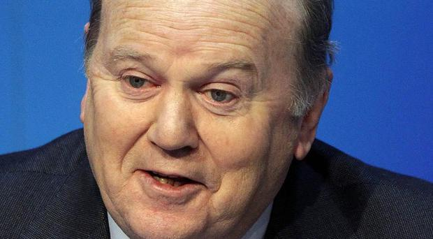 Finance Minister Michael Noonan has criticised Fiana Fail for planning to reduce the price of fuel