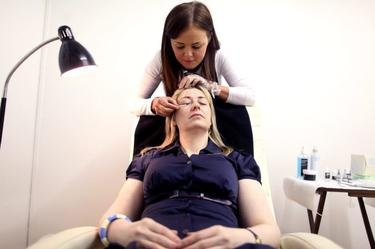 How to get the perfect eyelash extensions - BelfastTelegraph co uk