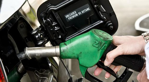 UK petrol pump prices before tax fell by just over three per cent between April 16 and May 7, the AA has said