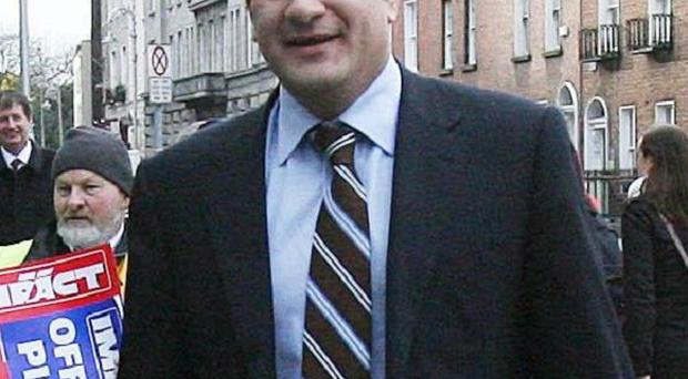 Minister Leo Varadkar has called for Ireland and the UK to become a common travel zone