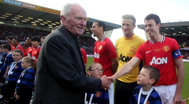 15.05.12. PICTURE BY DAVID FITZGERALDHarry Gregg Testimonial at Windsor Park, Belfast last night. Manchester United vs Norther Ireland Select. Harry Gregg meeting man united players