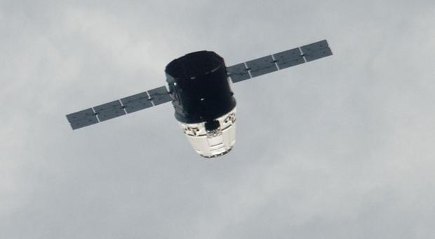 The SpaceX Dragon spacecraft approaches the International Space Station (AP/Nasa)