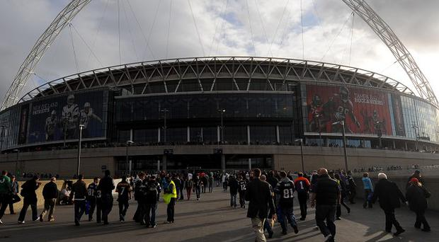 The Highways Agency urged supporters travelling to the League One play-off final at Wembley to avoid the M1 near Luton