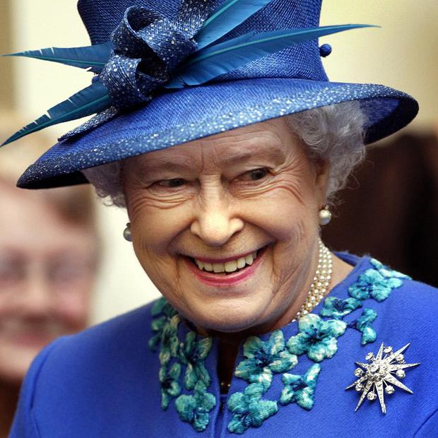 The Queen will receive a Diamond Jubilee gift from the Northern Ireland government during her visit at the end of June