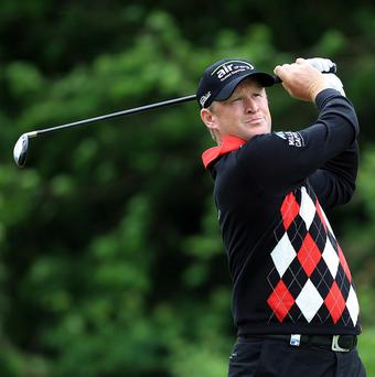 Jamie Donaldsonb holds a one-shot advantage at the Irish Open