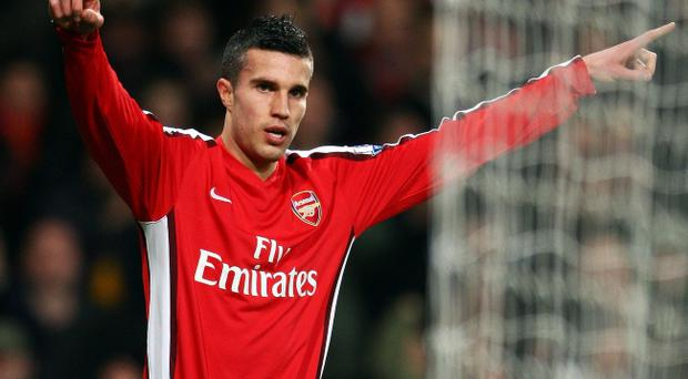 Manchester City are set to battle Manchester United for Robin van Persie's signature