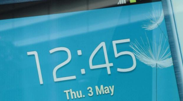 Samsung says it expects to break profit records