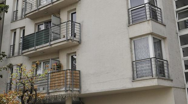The apartment building which is supposed to be the last known location of Hungarian Nazi crime suspect Laszlo Csatary in Budapest (AP/Bela Szandelszky)