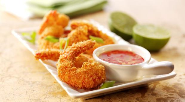 Crunchy coconut prawns with sweet lime & coconut dipping sauce