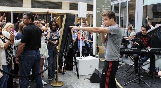 One Direction stars Niall Horan and Liam Payne performed at Westfield