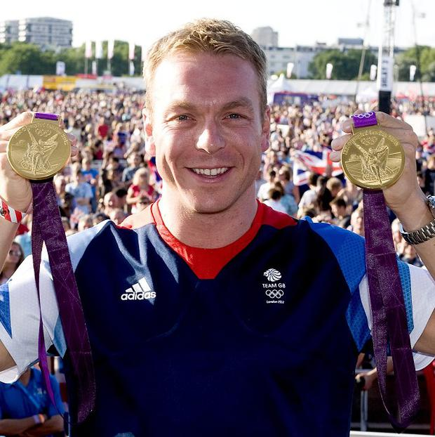 Sir Chris Hoy is to be awarded the freedom of Edinburgh
