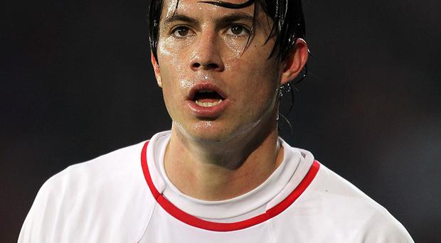 Bryan Oviedo has signed for Everton